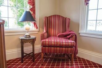 hallway-chair