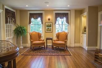 puzzle-room-sitting-area